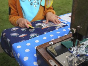 making-bunting-in-the-park-2-sml